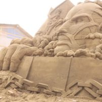 Time Lapse Video Shows Making of Attack on Titan Sand Sculpture