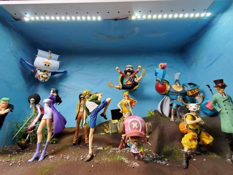 One Piece Fan Recreates Iconic Scenes at Home with Diorama Collection