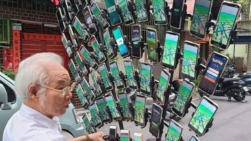 Pokémon GO Grandpa Now Plays with 64 Phones