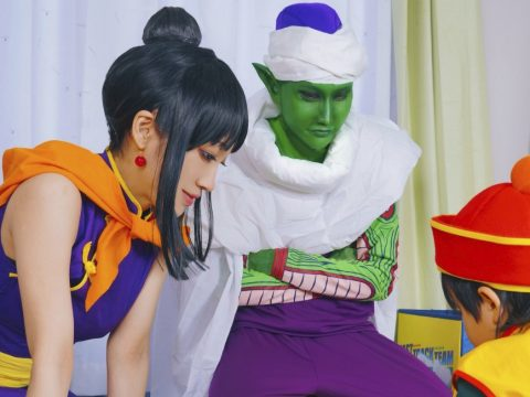 This Family Turns Portrait Time into Cosplay Magnificence