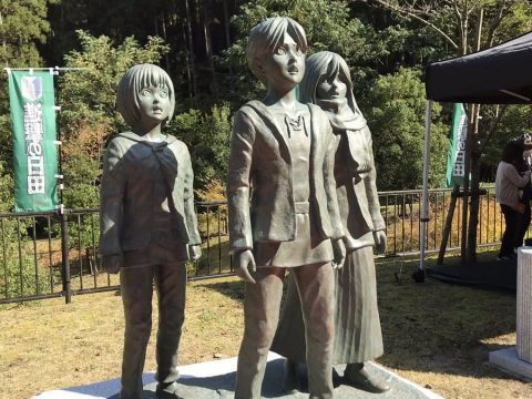 Attack on Titan Heroes Get Statues in Isayama's Hometown